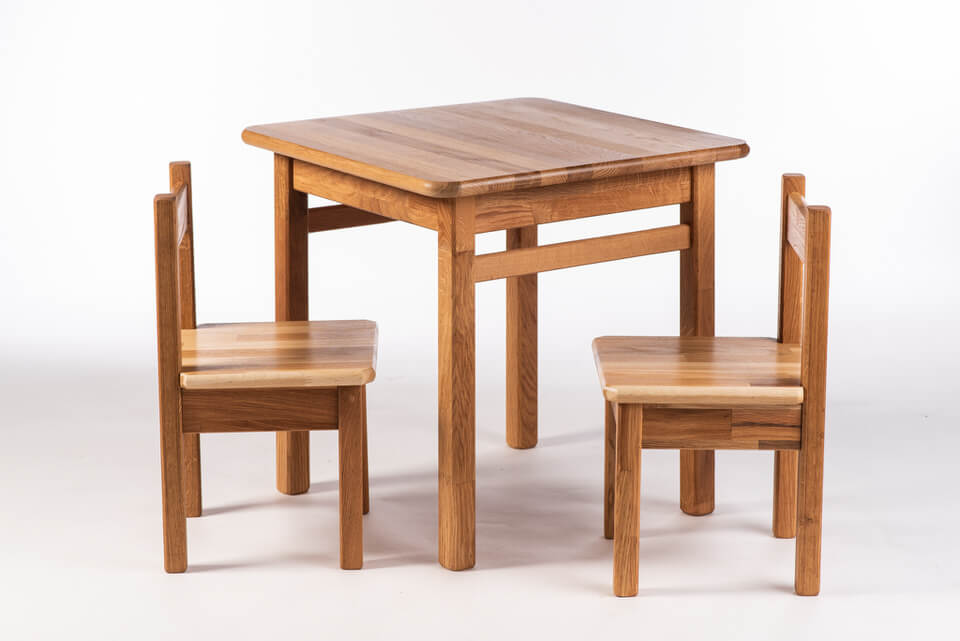 Otroška miza s stoli