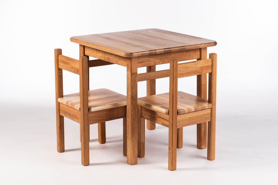 Otroška mizica s stoli