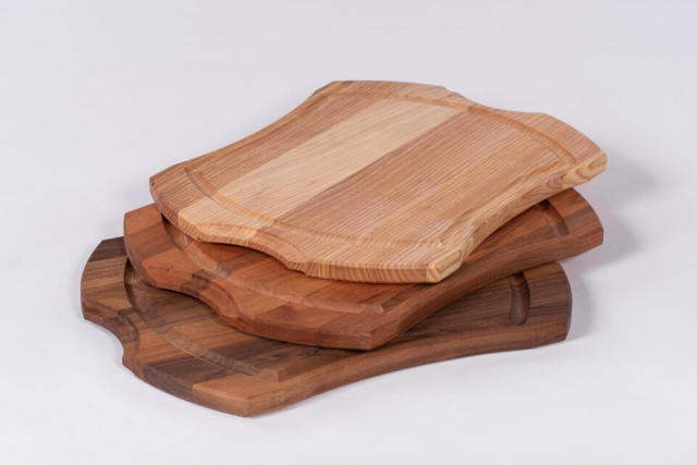 Leseni servirni pladnji